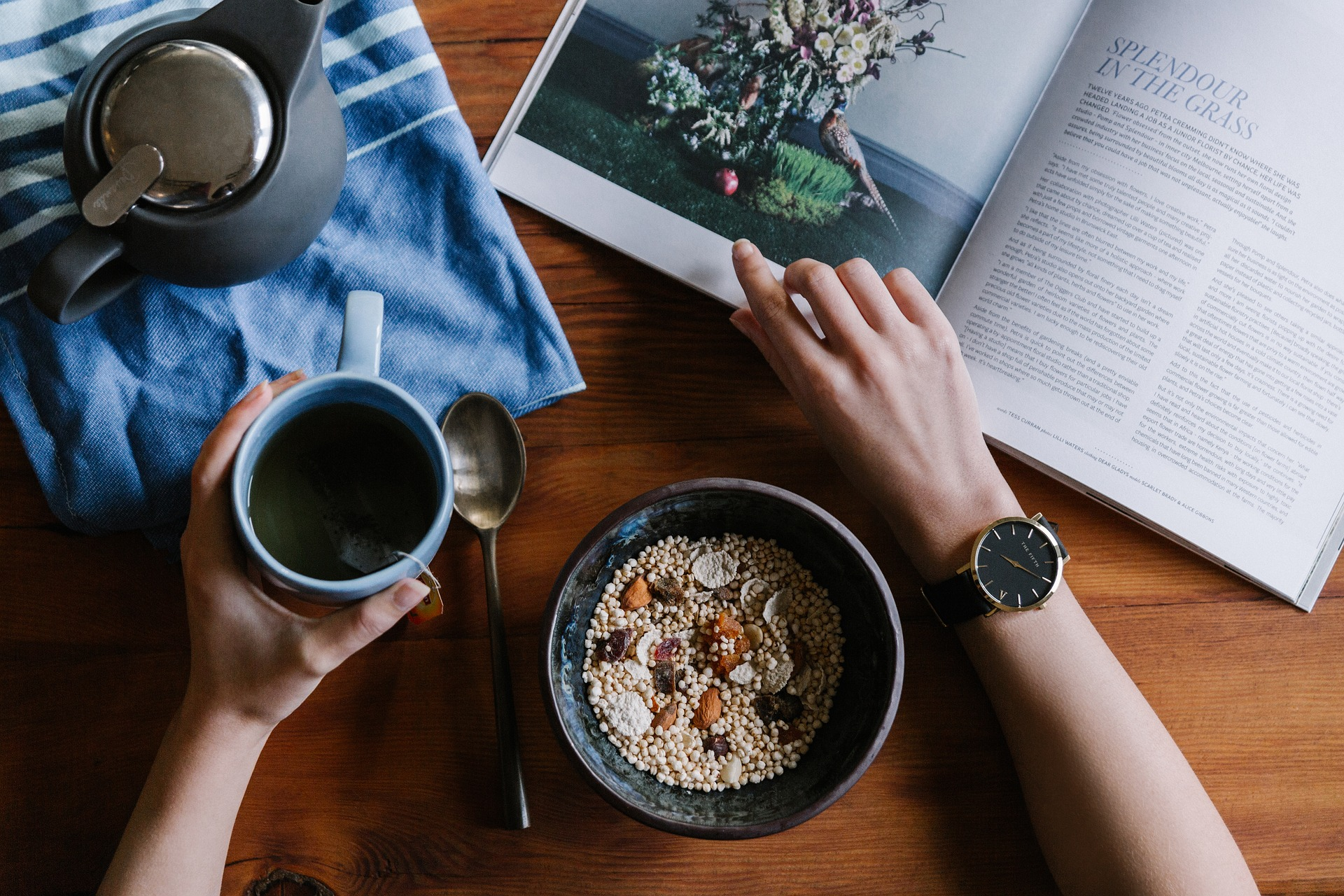 Waking up well before you start work means you can set an easy pace for the beginning of the day. Sit around, prepare and eat breakfast slowly, just as Sadia Saeed advocates.