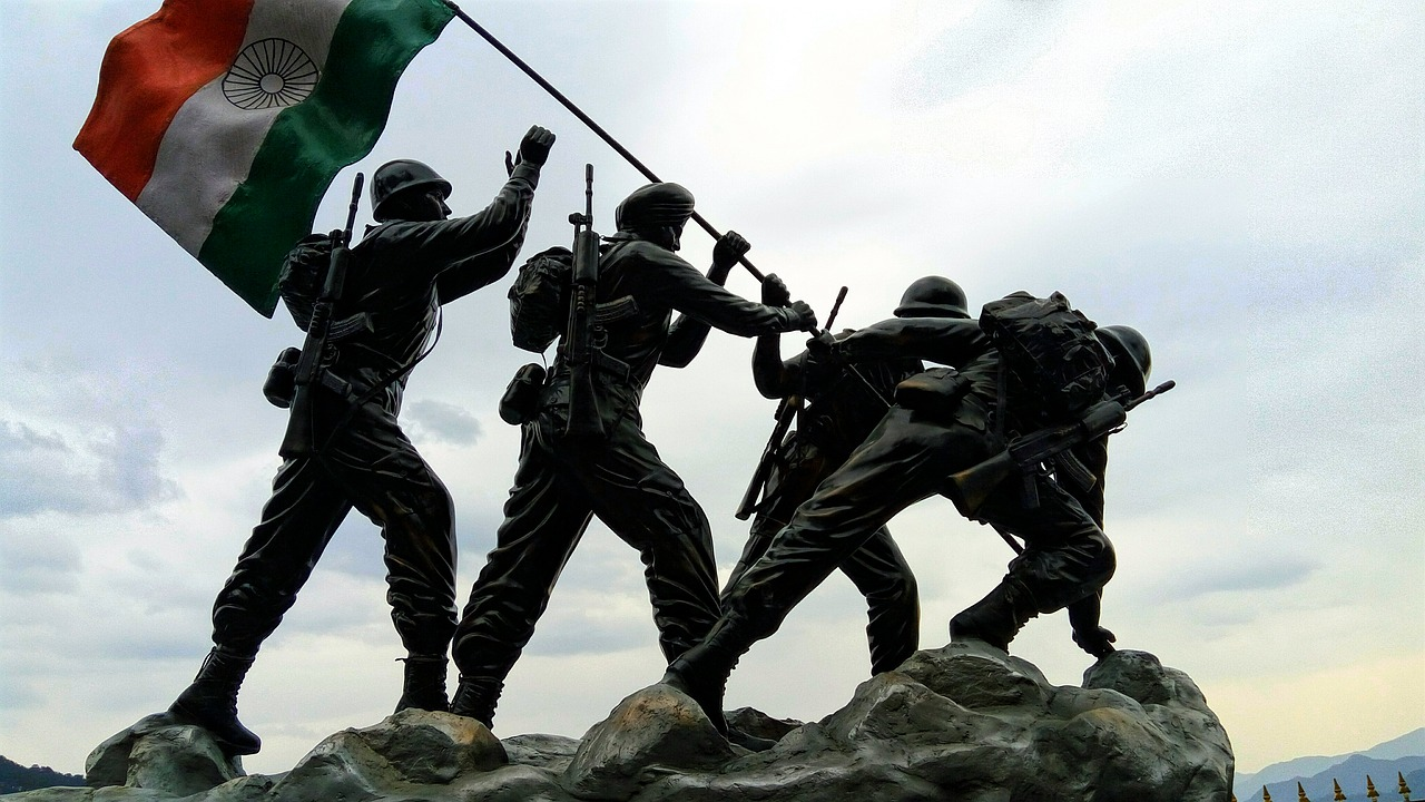 Instilled with an honour code, pride and trust in others, the Armed Forces have a lot to teach about life. As India marks its 73rd Independence Day, we can pledge to learn a few of these stellar qualities. Photo by Pixabay