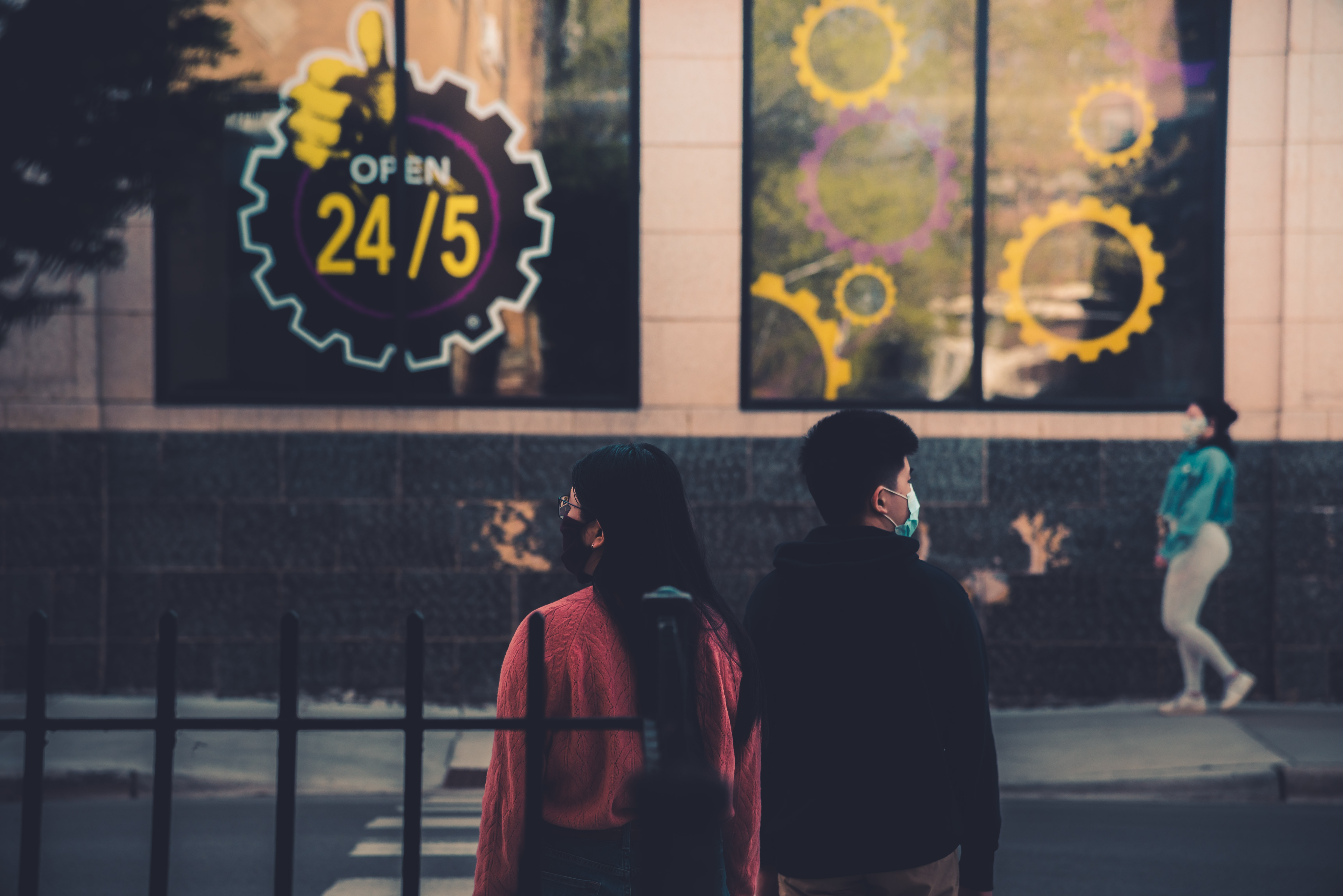 What makes brands stand out today? It is all about customer experience. Photo by Max Bender/ Unsplash